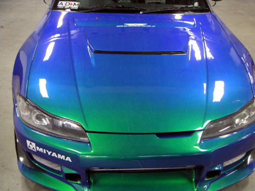 ご存知GT300やいろんなレース界で活躍中の「ブルー青木」氏の愛車です... ペイント・ボディー